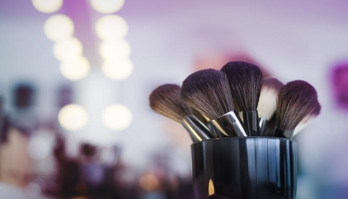 the image is result for the image is result forChoose the correct blush brush