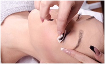 Eyelashes extensions - care