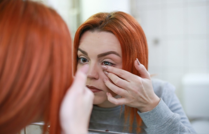 Safety tips for contact lens